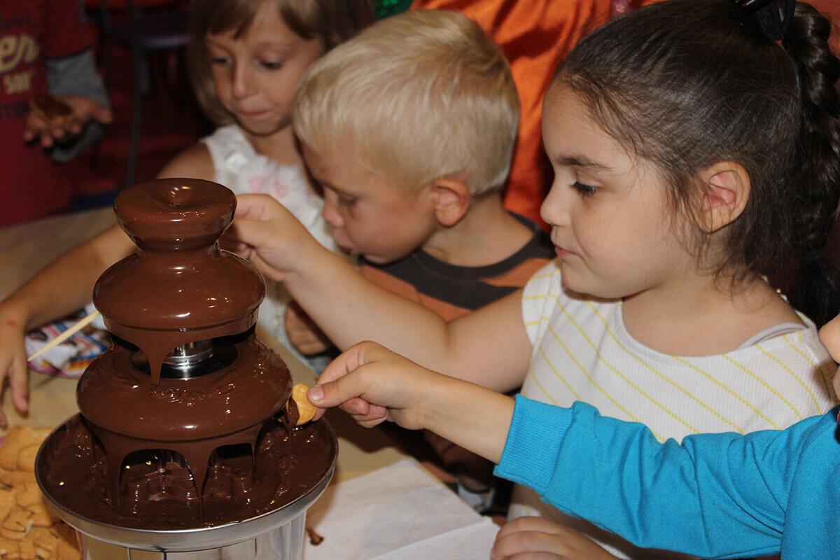 шоколадный фонтан на праздник для детей на дому