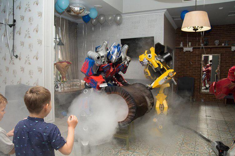 аниматоры трансформеры на детский праздник Оптимус прайм и Бамблби