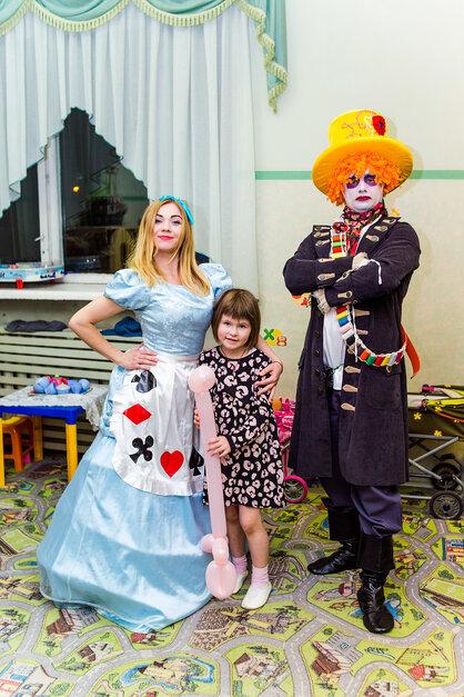 Фто аниматоров Шляпника и Алисы в Москве