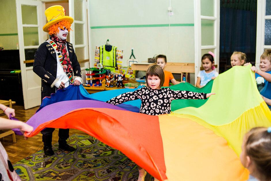 Алиса и Шляпник в Детском саду