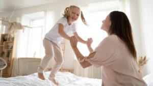 чем занять детей дома