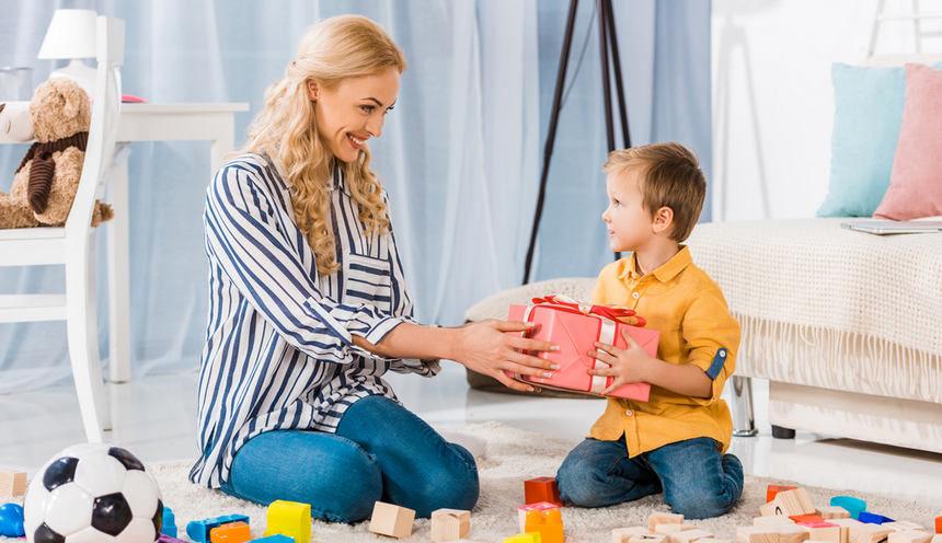 Лучшие идеи подарков на день рождения ребенка в 2021 году