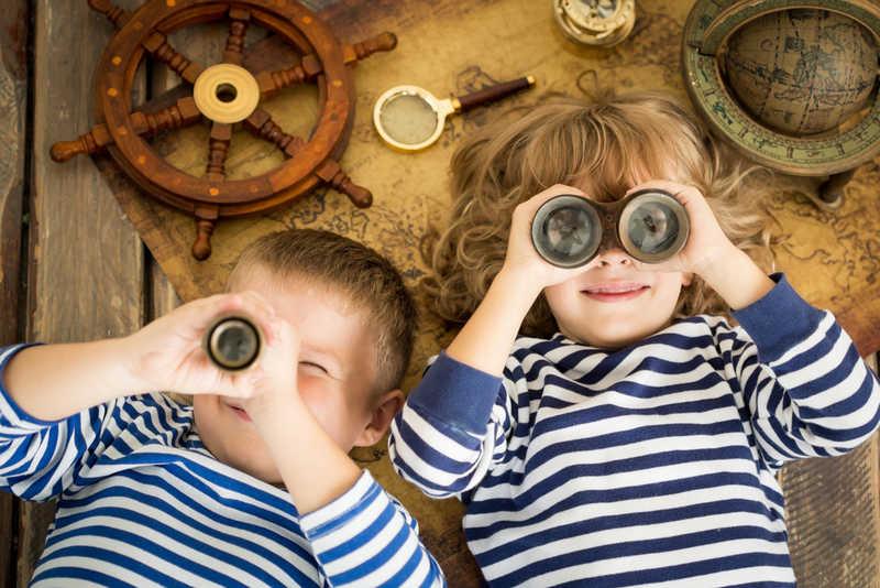 следует учитывать тематику праздника для подготовки развлечений для детей